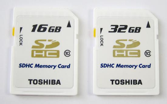 01SDHC_memory_card_Toshiba_.jpg