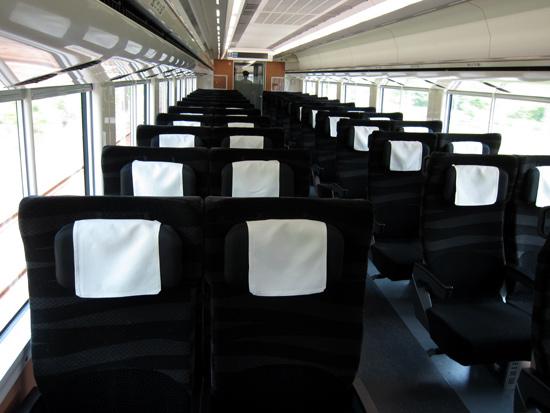 02_E657series_cabin.jpg