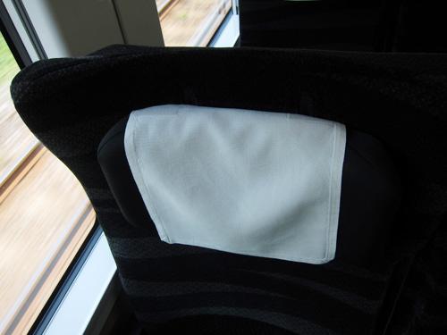 04_e657_seat_headrest.jpg