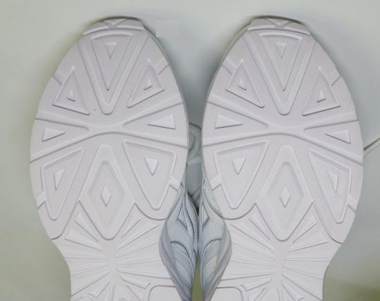 13月星SA006ホワイト靴底.jpg