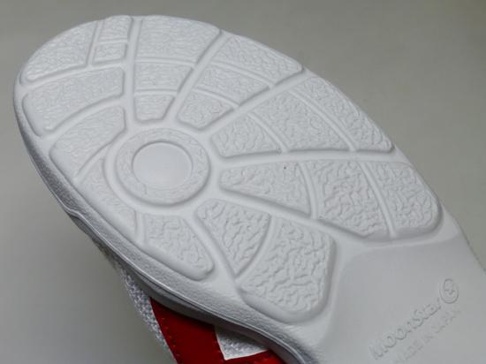 07靴底のパターン・ムーンス.jpg